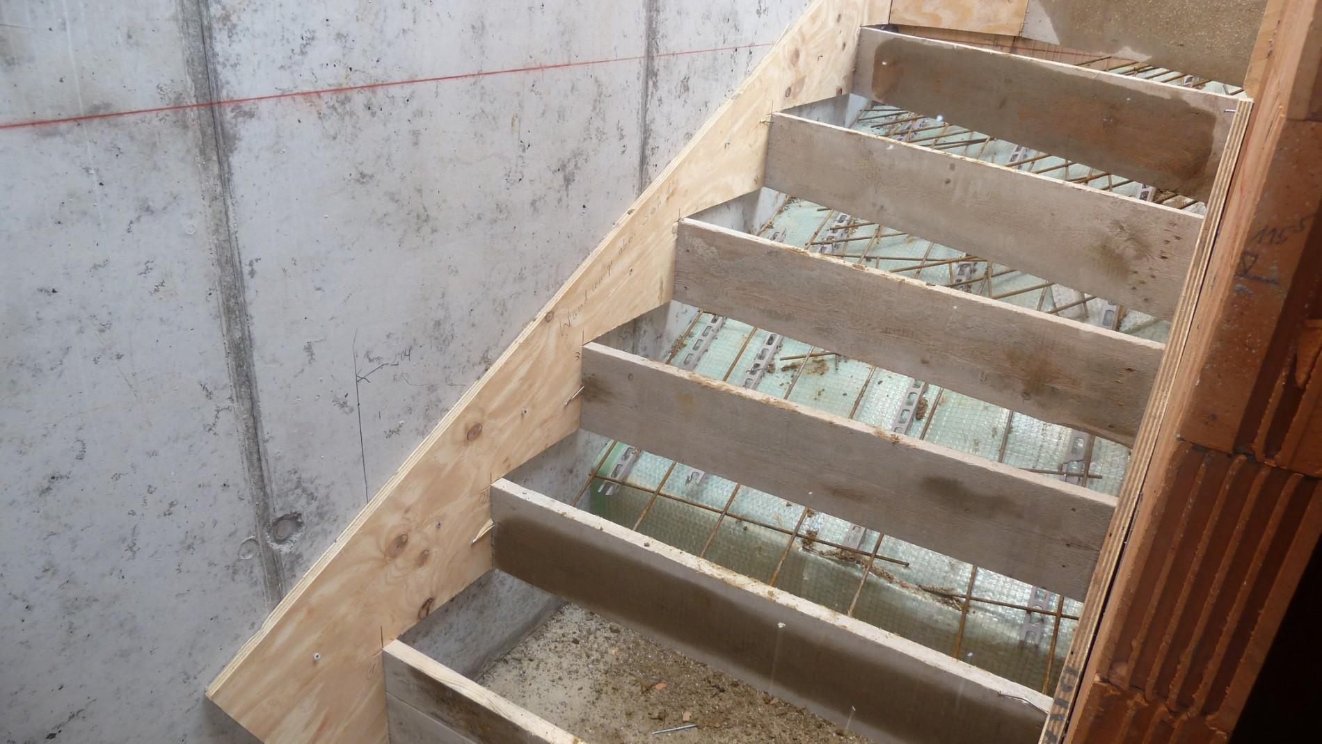 treppe betonieren betontreppe selber bauen 2018 schallbr ckenfreier einbau von geraden. Black Bedroom Furniture Sets. Home Design Ideas